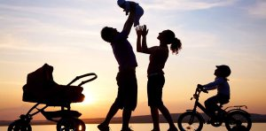 happy-family-silhouette